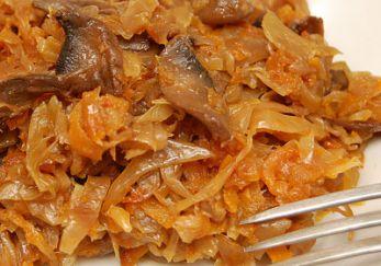 Тушеная капуста рецепт с грибами